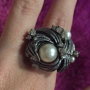 Adjustable peal ring